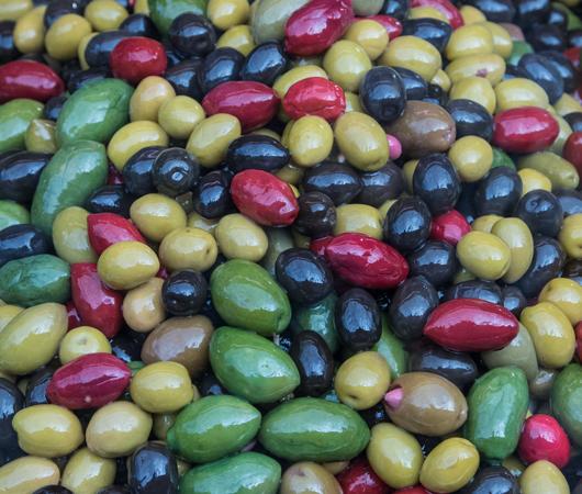 Naschmarkt-wien-bute-oliven