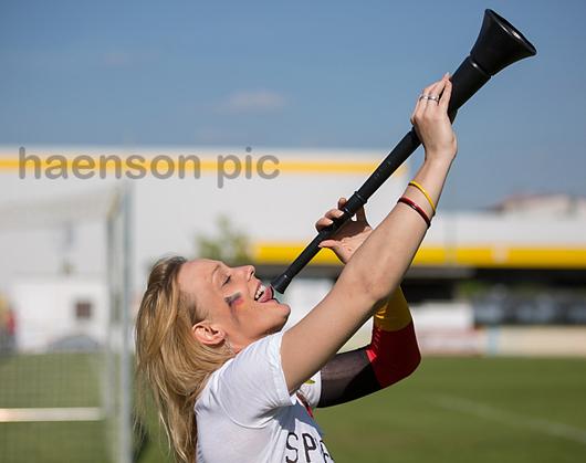 EURO-Europameisterschaft-Fotoshooting-Vuvuzela