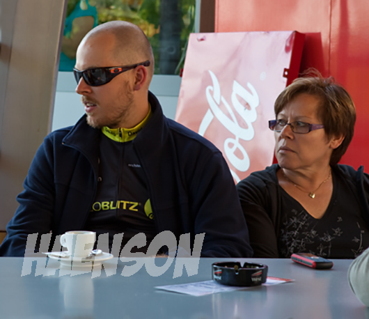 DOS-Race-Around-David-Misch-mit-seiner-Mutter