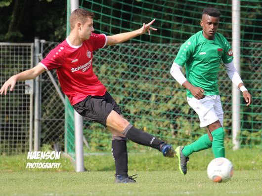 Fabio-Bozesan-Kickers-Würzburg-Yasir-Aldijawi-Schweinfurt-05