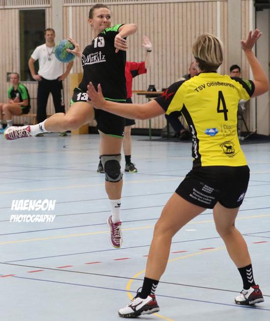 Sprungwurf-Ann-Kathrin-Lang-DJK-Rimpar-mit-dem-Rücken-Juane-Dittmann-TDV-Ottobeuren