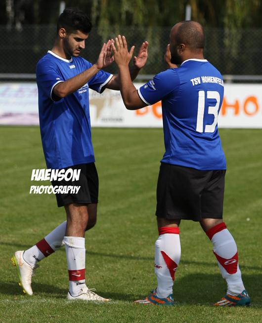 Wechsel bei Hohenfeld in der 61.Minute Mandela Leio für Ali Hassan