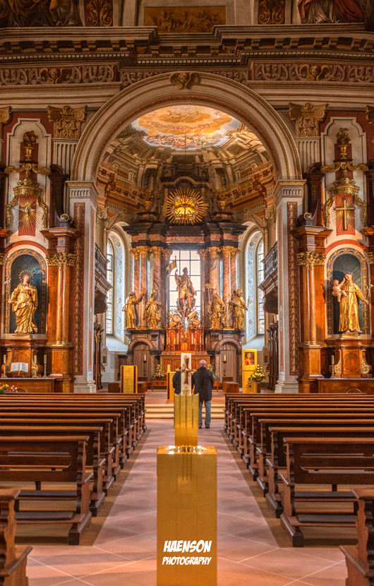 St.Mauritius-Kirche-Wiesentheid-gesamtansicht